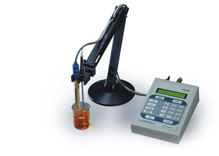 pH and Conductivity Meter Phan